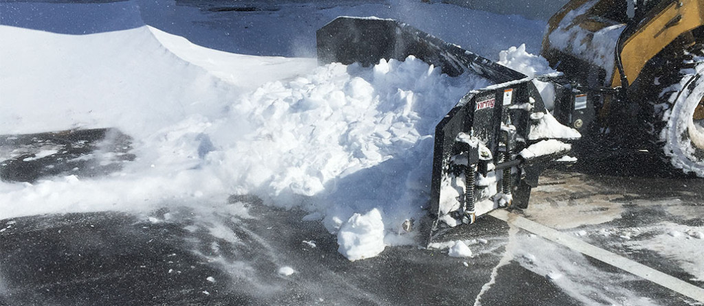 Hydraulic-Snow-Blade-Pusher-Skid-Steer-Attachment-Virnig-Manufacturing